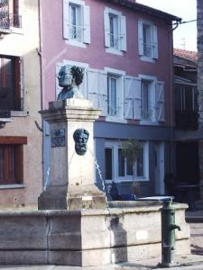 Fountain with the bust of Philibert Besson