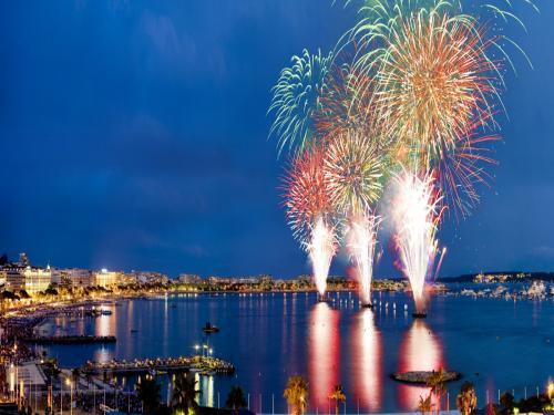 Pyrotechnic Art Festival - Event in Cannes