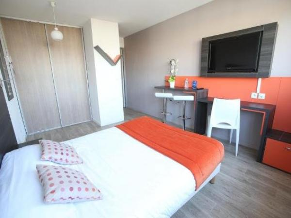 Adonis Paris Sud - Holiday & weekend hotel in Chevilly-Larue