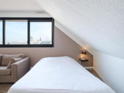all suites dunkerque h tel dunkerque. Black Bedroom Furniture Sets. Home Design Ideas