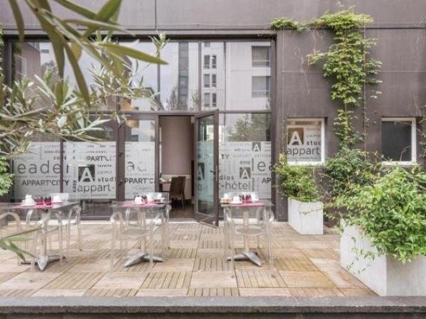 appart city confort paris grande biblioth que hotel a paris. Black Bedroom Furniture Sets. Home Design Ideas