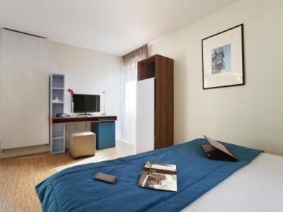 appart 39 hotel odalys lyon confluence h tel lyon. Black Bedroom Furniture Sets. Home Design Ideas