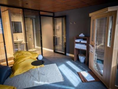 atrium h tel valence ville h tel valence. Black Bedroom Furniture Sets. Home Design Ideas