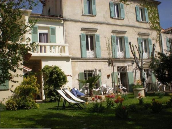 Au saint roch h tel et jardin h tel avignon for Au jardin guesthouse