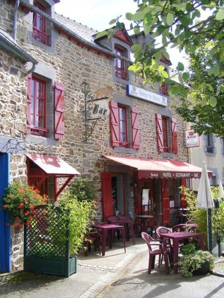 Auberge du Château - Holiday & weekend hotel in Châteauneuf-d'Ille-et-Vilaine