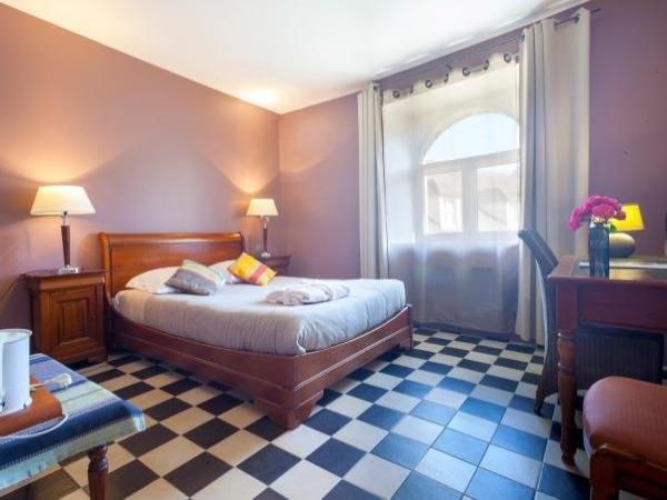 auberge du manet h tel montigny le bretonneux. Black Bedroom Furniture Sets. Home Design Ideas