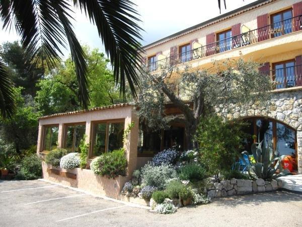 Les belles terrasses hotel in tourrettes sur loup - Les belles terrasses ...