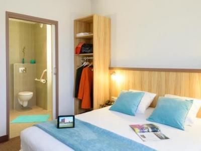 best hotel reims croix blandin h tel reims. Black Bedroom Furniture Sets. Home Design Ideas