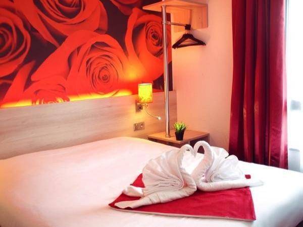 brit hotel essentiel de granville h tel granville. Black Bedroom Furniture Sets. Home Design Ideas