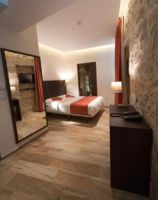central hotel hotel a n mes. Black Bedroom Furniture Sets. Home Design Ideas