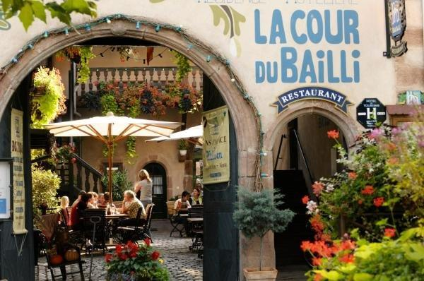 La Cour du Bailli Suites & Spa - Holiday & weekend hotel in Bergheim