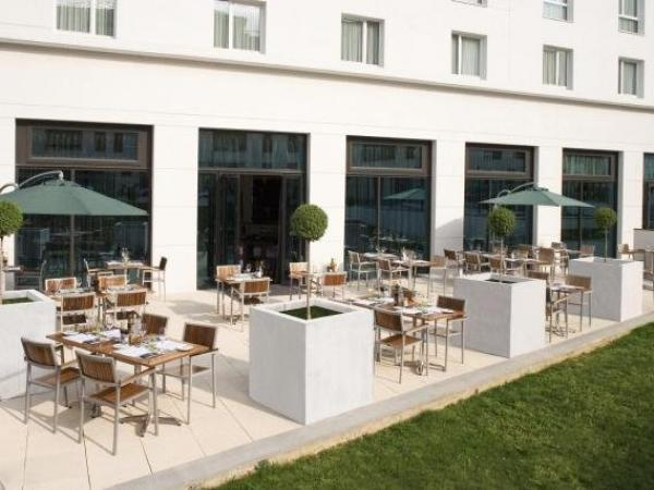 Courtyard by Marriott Paris Saint Denis - Holiday & weekend hotel in La Plaine-Saint-Denis
