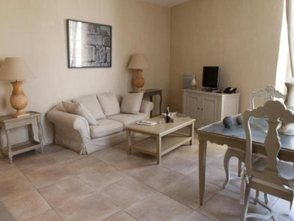 le couvent d 39 herepian h tel h r pian. Black Bedroom Furniture Sets. Home Design Ideas