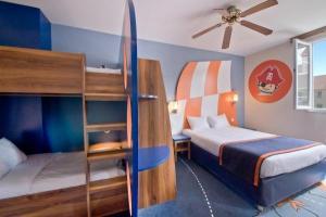 Disneyland Paris Hotel Camere : Explorers hotel at disneyland paris hotel in magny le hongre