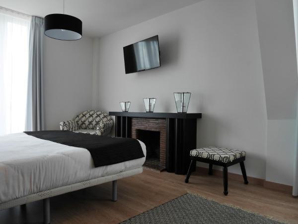 grand h tel brive h tel brive la gaillarde. Black Bedroom Furniture Sets. Home Design Ideas