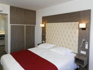 inter hotel foix h tel du lac hotel en foix. Black Bedroom Furniture Sets. Home Design Ideas