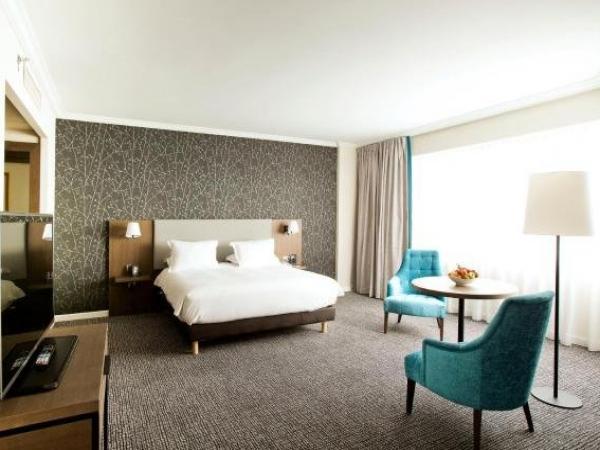 Cabina Armadio Paris Hilton.Hilton Paris Charles De Gaulle Airport Hotel A Roissy En France
