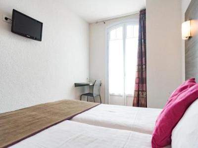 hotel le 21 h tel saint rapha l. Black Bedroom Furniture Sets. Home Design Ideas