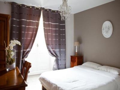 hotel abat jour h tel nantes. Black Bedroom Furniture Sets. Home Design Ideas