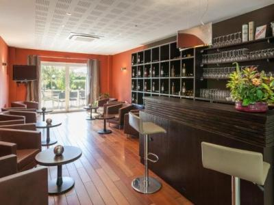 hotel alienor h tel langon. Black Bedroom Furniture Sets. Home Design Ideas