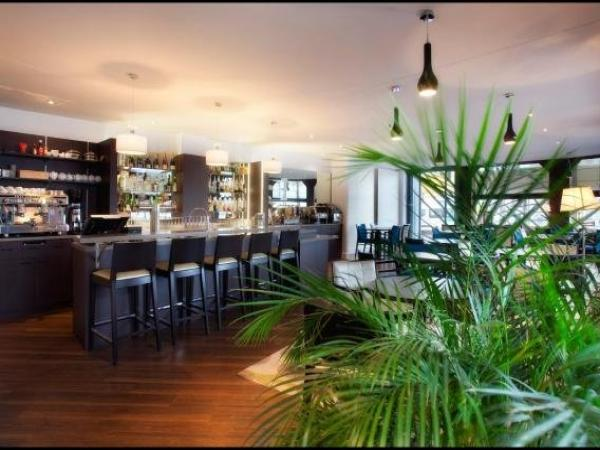 Hotel Le Berry - Holiday & weekend hotel in Saint-Nazaire