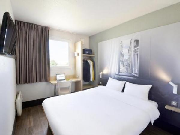 b b h tel bourges 2 h tel bourges. Black Bedroom Furniture Sets. Home Design Ideas