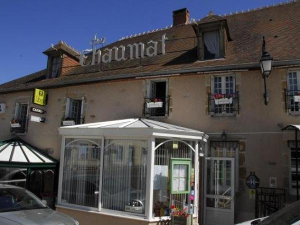 Hotel Chez Chaumat - Holiday & weekend hotel in Cérilly
