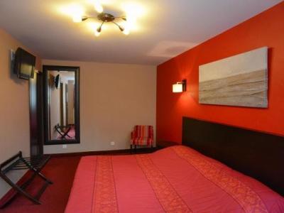 h tel de la croix d 39 or h tel avranches. Black Bedroom Furniture Sets. Home Design Ideas