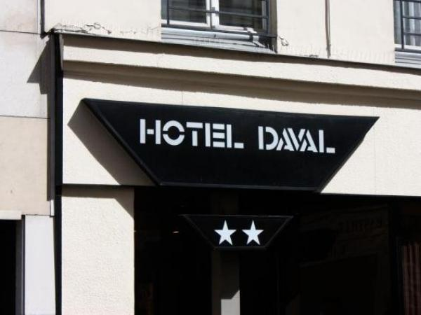 Hotel Daval - Holiday & weekend hotel in Paris