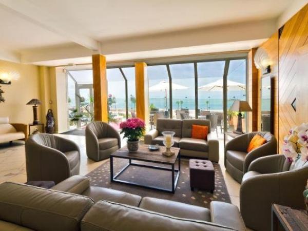 hotel family golf h tel royan. Black Bedroom Furniture Sets. Home Design Ideas