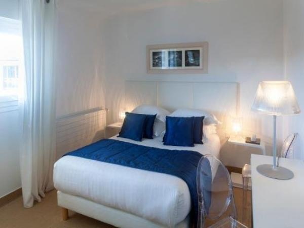 Hôtel La Marine - Holiday & weekend hotel in Barneville-Carteret
