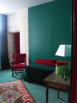 angoul me tourism holiday guide. Black Bedroom Furniture Sets. Home Design Ideas