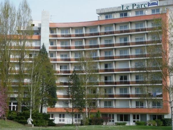 Hotel Parc Rive Gauche - Holiday & weekend hotel in Bellerive-sur-Allier