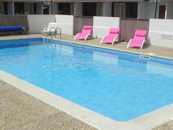 Hotel Les Pins - Hotel vakantie & weekend in Hourtin