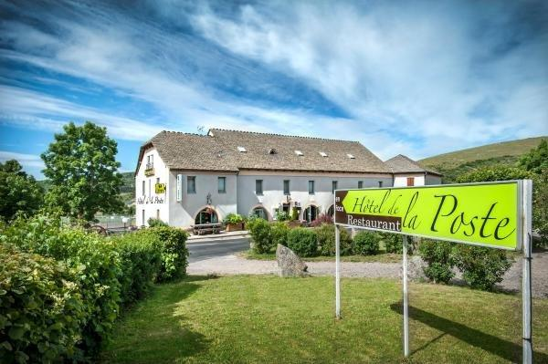 Hôtel de la Poste - Holiday & weekend hotel in Châteauneuf-de-Randon