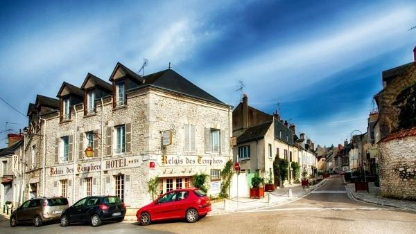 Hotel Le Relais Des Templiers - Holiday & weekend hotel in Beaugency