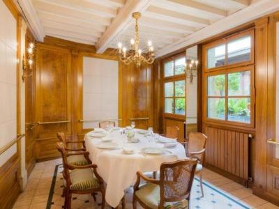 Hotel Restaurant Le Dauphin Et Le Spa Du Prieur 233 H 244 Tel 224