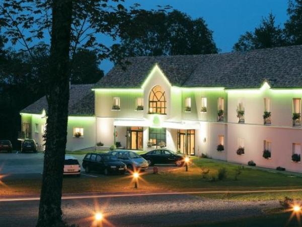 Hôtel-restaurant Le Tulipier - Holiday & weekend hotel in Vienne-le-Château