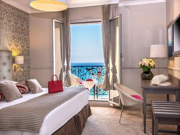 h tel le royal promenade des anglais hotel in nice. Black Bedroom Furniture Sets. Home Design Ideas