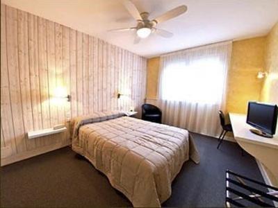 h tel du sablar h tel mont de marsan. Black Bedroom Furniture Sets. Home Design Ideas