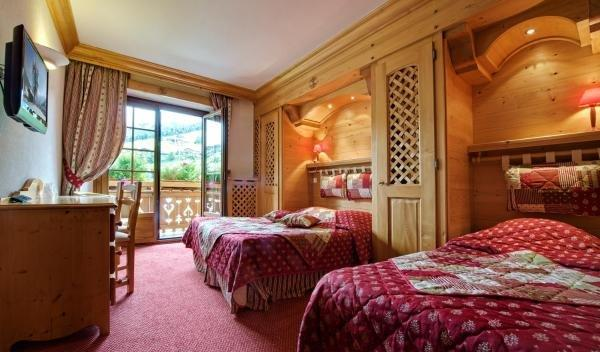 hotel les sapins h tel la clusaz. Black Bedroom Furniture Sets. Home Design Ideas