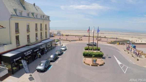 Hotel la terrasse hotel in fort mahon plage for Appart hotel fort mahon