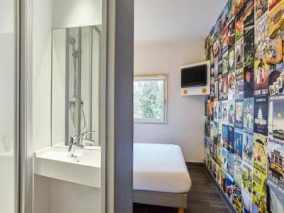 hotelf1 saint etienne h tel saint tienne. Black Bedroom Furniture Sets. Home Design Ideas