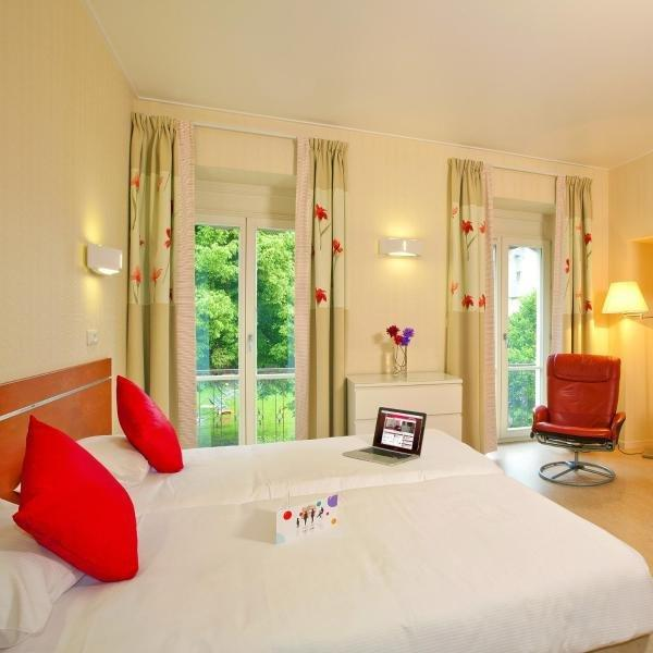 Hotels & Résidences - Les Thermes - Holiday & weekend hotel in Luxeuil-les-Bains