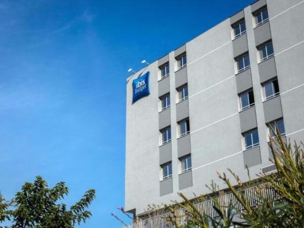 ibis budget fr233jus saint raphael centre et plage hotel
