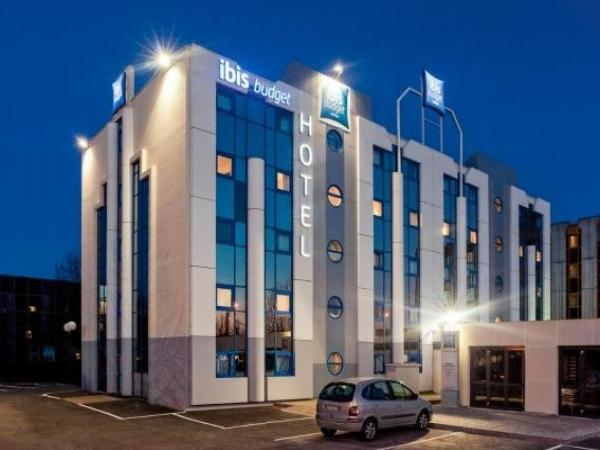 ibis budget Grigny Centre - Holiday & weekend hotel in Grigny