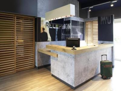 ibis budget tarbes h tel tarbes. Black Bedroom Furniture Sets. Home Design Ideas