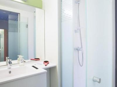 ibis budget thonon les bains h tel thonon les bains. Black Bedroom Furniture Sets. Home Design Ideas