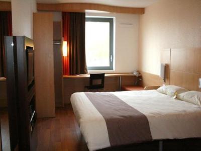 ibis maubeuge h tel maubeuge. Black Bedroom Furniture Sets. Home Design Ideas