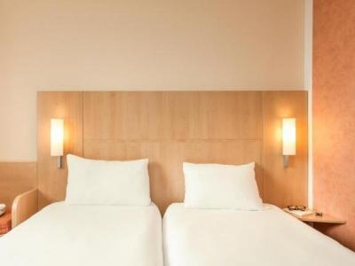 ibis strasbourg centre historique h tel strasbourg. Black Bedroom Furniture Sets. Home Design Ideas
